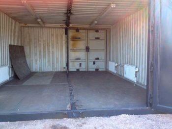 два контейнера для гаража